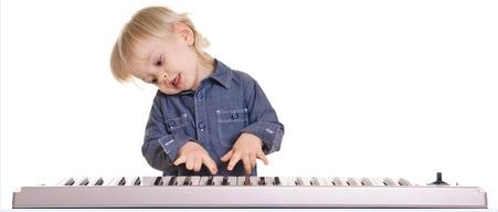 如何引导孩子聆听音乐